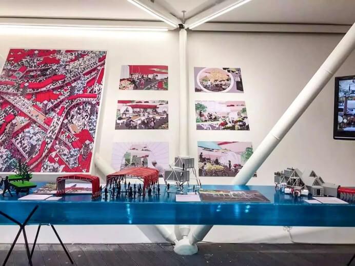 """一层 """"移动""""主题展台的项目和产品设计"""